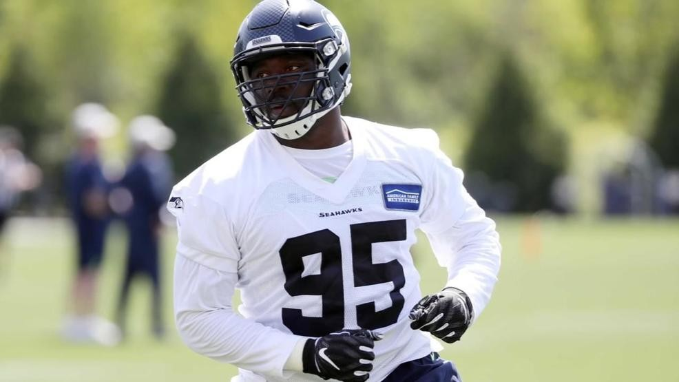 best loved 9d7d3 913d1 Munday's L.J. Collier sidelined at Seahawks camp with ...