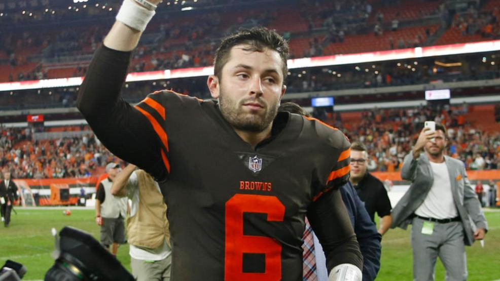 024b1c8fd <p>Cleveland Browns quarterback Baker Mayfield runs off the field after the  Browns defeated the New York Jets 21-17 in an NFL football game Thursday,  Sept.